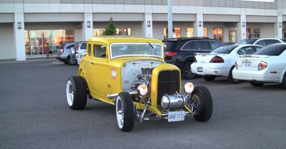 Hot Rod автомобиль Ford B American Graffiti